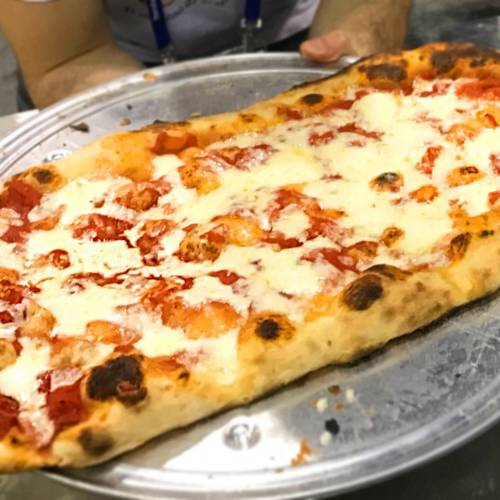 Pizza in Pala or Metro